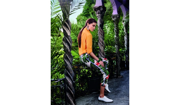 HOW TO GET THE CASUAL TROPICAL TEXTURE LOOK