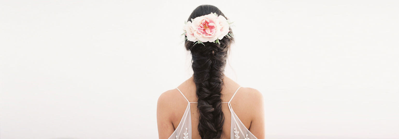 How to Incorporate Flowers In Your Wedding Hairstyles | BeBEAUTIFUL