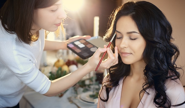 4 things to consider before booking a bridal hair and makeup artist