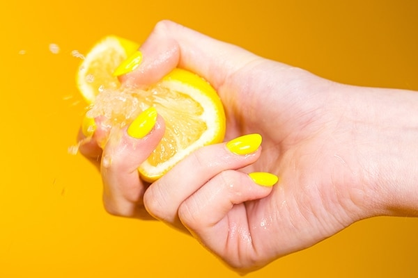 Home Remedies To Remove Tan: Lemon