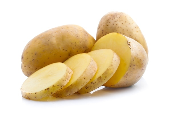 Home Remedies To Remove Tan: Potato and lemon Juice