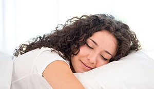 How to sleep on wet hair and still get it to look perfect the next morning