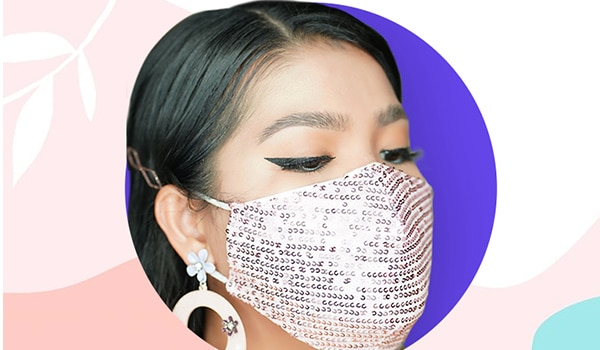 How to prevent makeup from smudging underneath the face mask