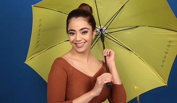 How to tie a fuss-free bun hairstyle in the monsoon
