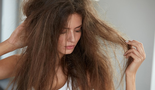 4 ways to deal with dry hair at home during the lockdown