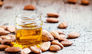 HOW TO USE ALMOND OIL ON YOUR FACE