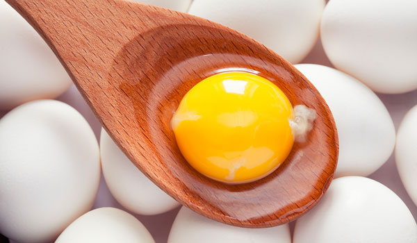 HOW TO USE EGGS TO GET LONGER AND STRONGER HAIR