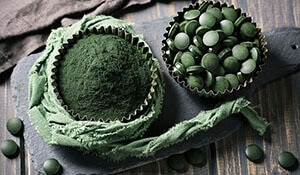 How to use Spirulina to boost your skincare routine