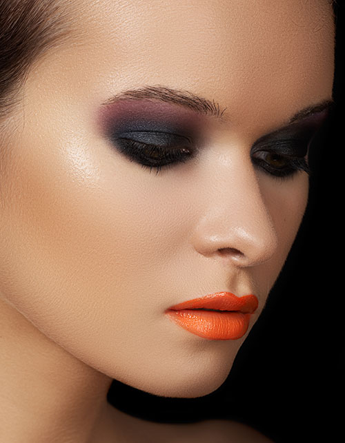 HOW TO MAKE A STATEMENT WITH AN ORANGE LIP