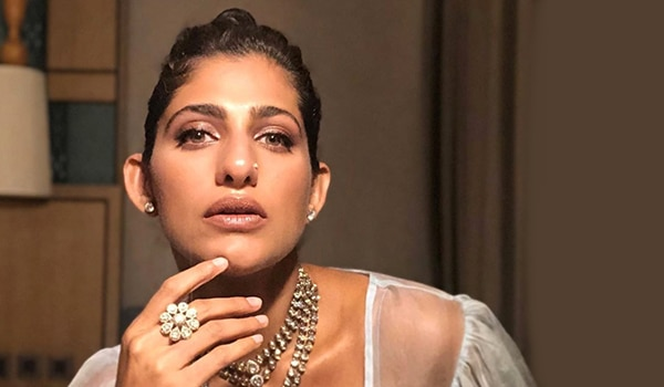 Kubbra Sait birthday special: 5 beauty lessons to steal from the stunner