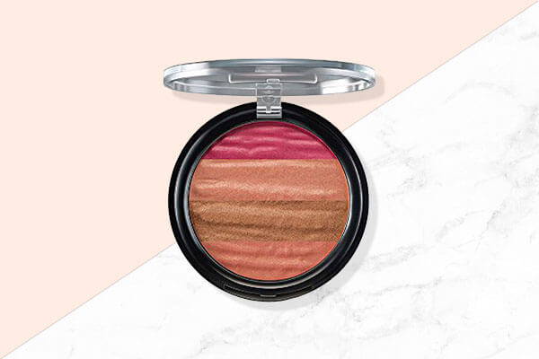 lakmé absolute illuminating shimmer brick in pink