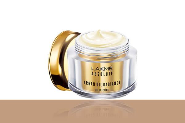 A non-greasy crème that rejuvenates the skin