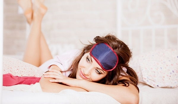 5 lazy girl hacks to remove makeup before bed