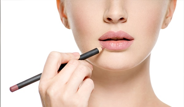 Lip Lining 101: How to apply lip liner like a pro