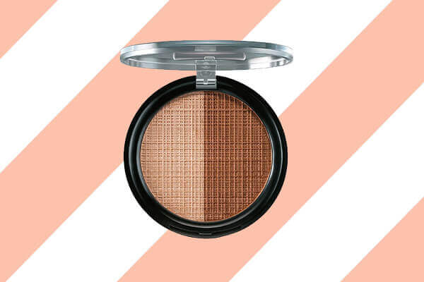 makeup trend by using Lakmé Absolute Moonlit Highlighter
