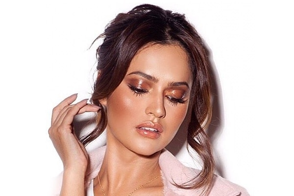 Glossy skin, long lashes + wispy hairstyles