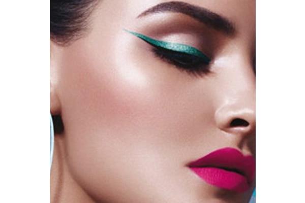 Coloured eyeliner