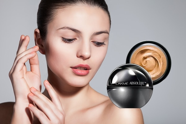 Lakmé Absolute Mattreal Skin Natural Mousse 16hr