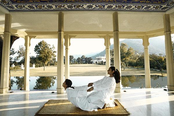 must visit ayurveda resorts india ananda spa 600x400
