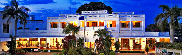 must visit heritage hotels in india jehan numa palace 600x400