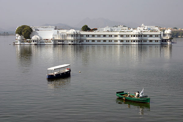 must visit heritage hotels in india taj lake palace 600x400