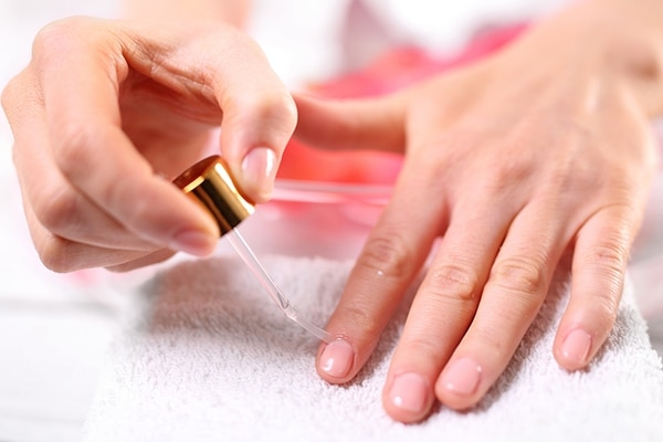 Cuticle oil and nail repair formula