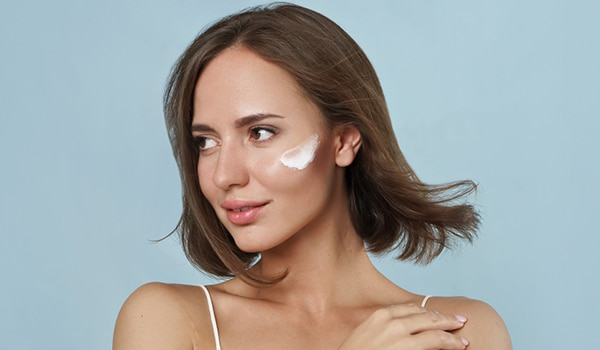 Natural moisturizers for oily skin that won't feel heavy or greasy