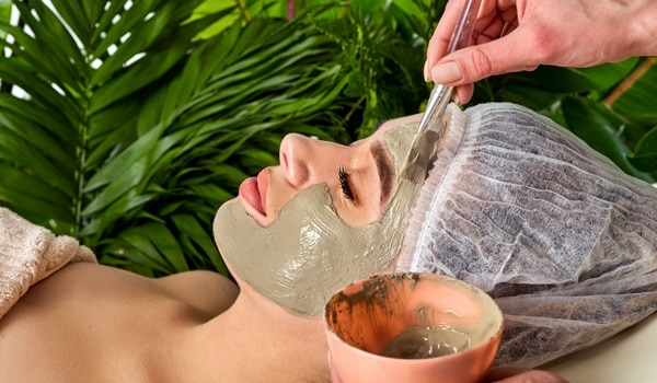 7 Natural Skin Whitening Home Remedies
