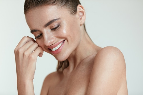 What ingredients should you look for in a skin refinisher?