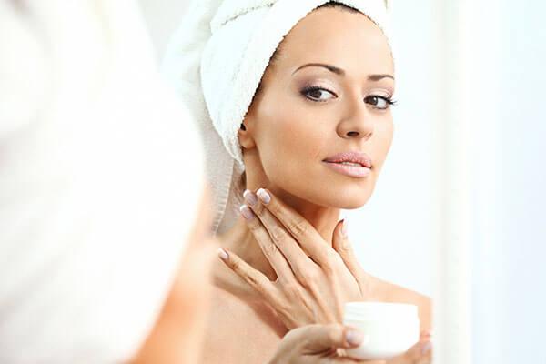 never apply moisturiser to dry skin