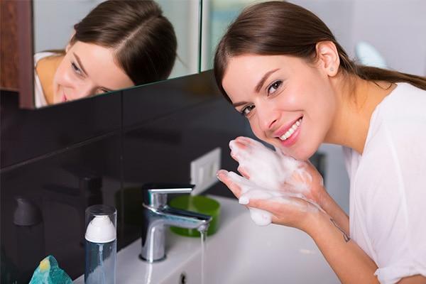 जानिए क्यों न लगाएं चेहरे पर साबुन?