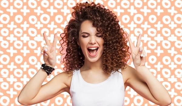 घुंघराले बाल वाली लड़कियों के लिए हेयर स्टाइलिंग टिप्स जो उनकी लाइफ़ आसान  कर देंगे | Be Beautiful India
