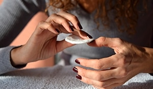 5 unbelievable ways to remove nail paint without nail paint remover