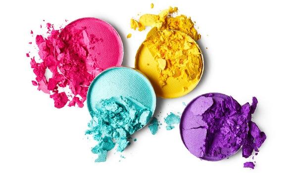 4 near-genius ways to repurpose a broken eyeshadow palette