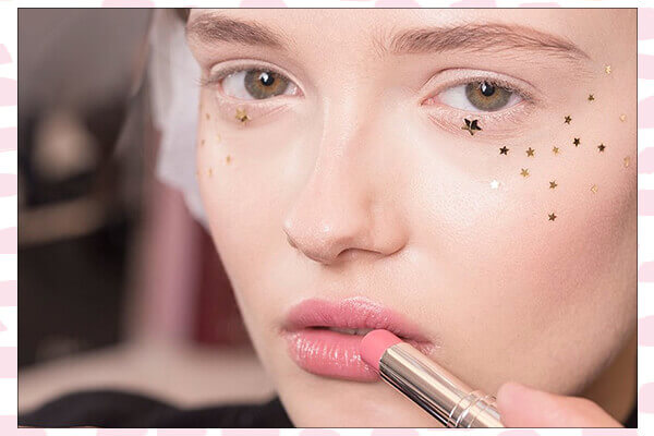 runway inspired under eye glitter makeup looks