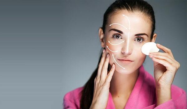 कोरड्या त्वचेसाठी साधेसोपे उपाय