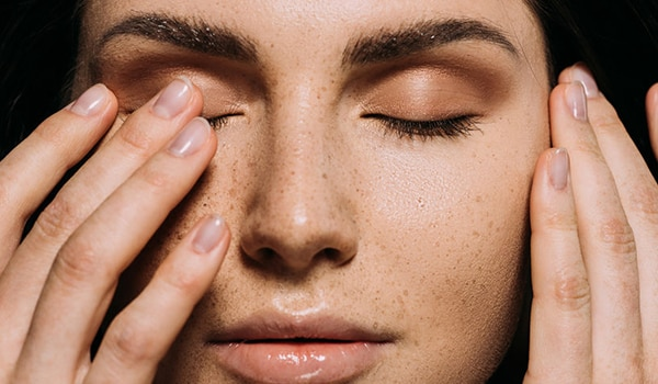 3 ways to deal with dry eyelids at home