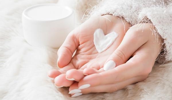 सर्दियों में कैसे करें त्वचा की देखभाल, बता रही हैं स्किन एक्सपर्ट डॉक्टर मृणाल शाह मोदी