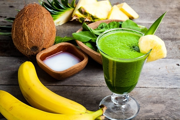 Spinach and coconut water smoothie