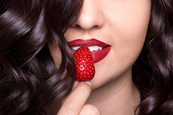 strawberry benefits for hair