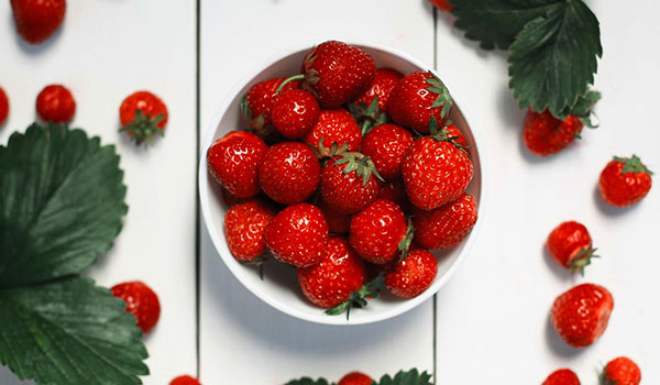 3 Ways To Use Strawberries To Get Flawless Skin