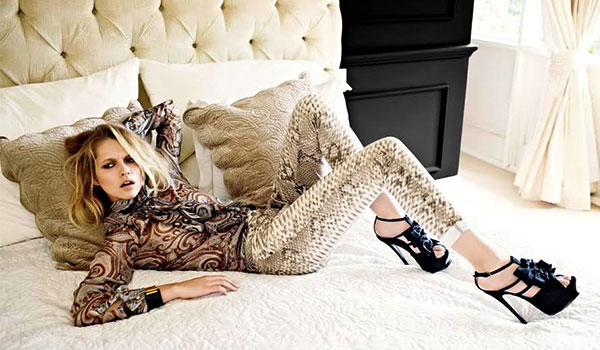 HOW TO UP YOUR STYLE QUOTIENT WITH THE SNAKESKIN PRINT