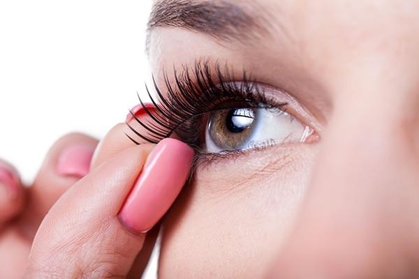 Suggest Falsies Bridal Makeup