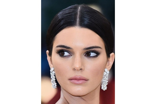 sultry smokey eyes with one product