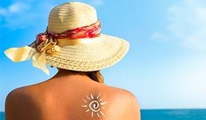 सनस्क्रीन के बिना घर से बाहर निकलना? कभी नहीं!