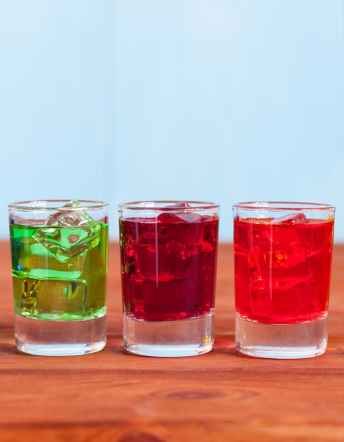 5 SUPER FUN DRINKING GAMES FOR THE UPCOMING PARTY SEASON