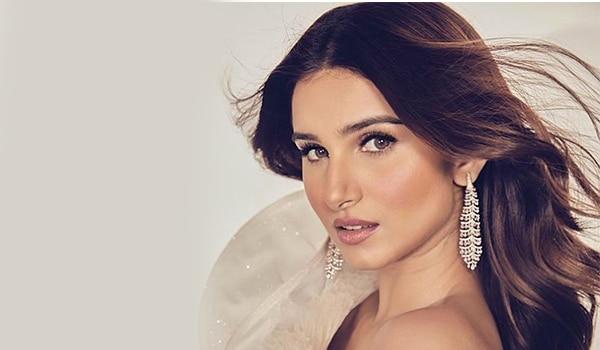 Get the look: Tara Sutaria's signature soft glam makeup look