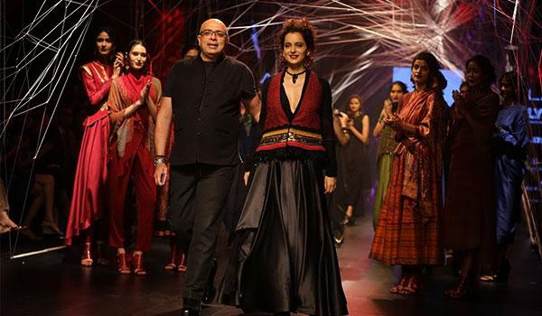 A love affair between art & fashion at Tarun Tahiliani's LFW W/F 2016 show