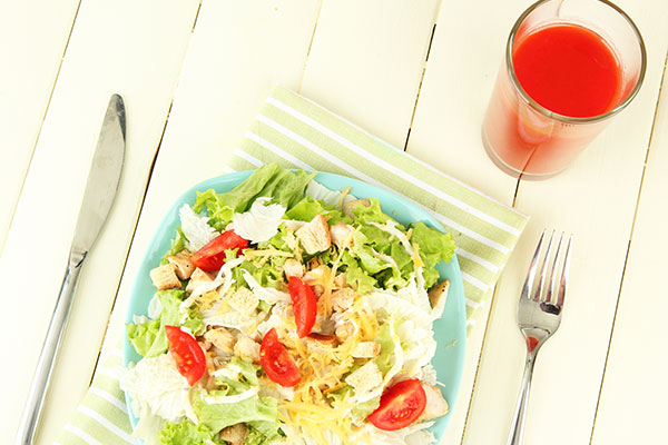 tasty drinks that make skin glowing red cabbage orange juice 600x400