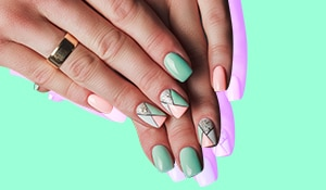 5 things to know before getting acrylic nails